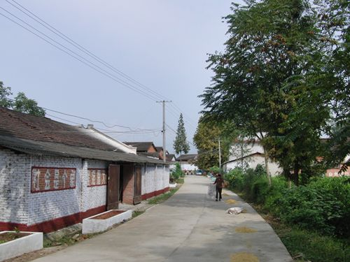 樊噲墓付近の風景